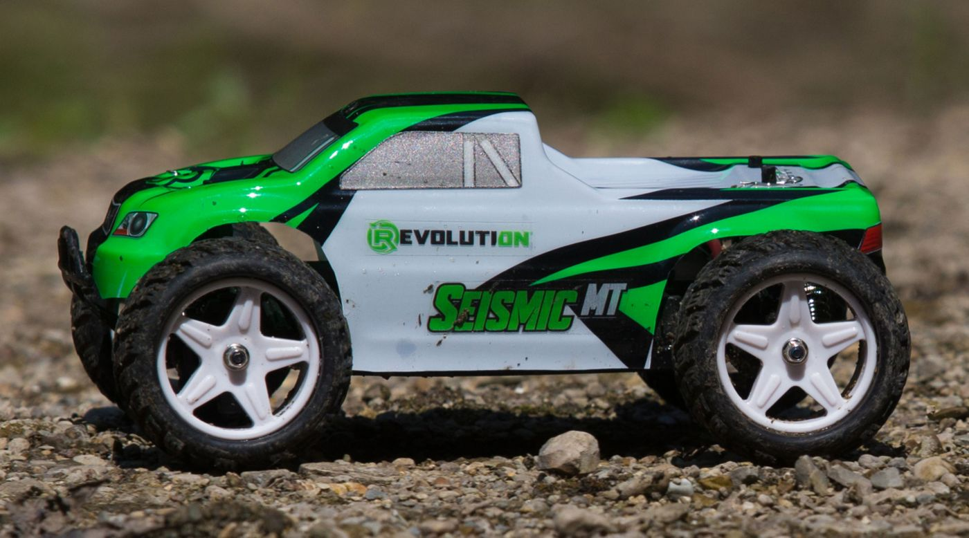 Revolution 1/18 Seismic 4WD Monster Truck RTR Green/White - SNHE
