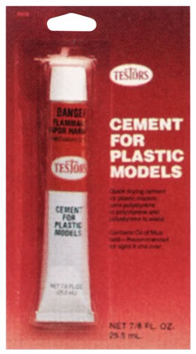 Testors Plastic Cement 7/8 oz Carded - SNHE