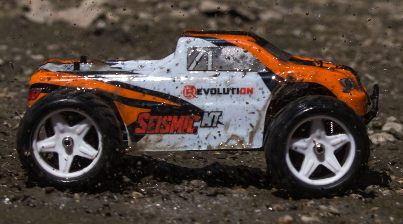 Revolution 1/18 Seismic 4WD Monster Truck RTR Orange/White