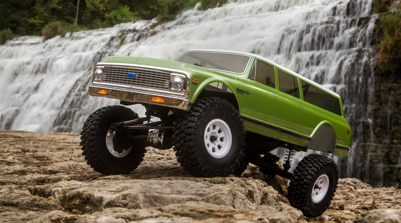 Vaterra 1/10 1972 Chevy Suburban Ascender-S 4WD RTR - SNHE